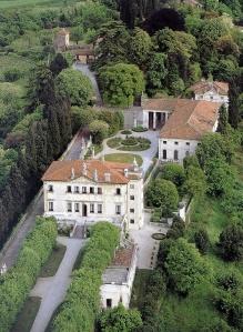 Villa Cittadella-Vigodarzere vista a volo d'uccello. L'intera struttura era destinata ad ospedale.