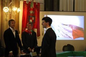 Alberto Donadel ritira il Gagliardetto della Memoria in memoria di Antonio Donadel