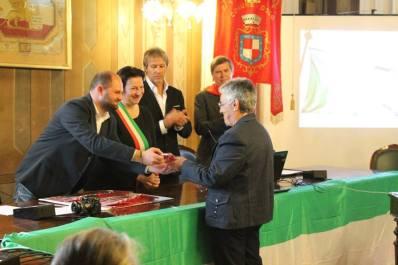 La consegna del Gagliardetto della Memoria alla nipote Liliana Terruzzin