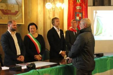 La consegna del Gagliardetto della Memoria a Enzo Vanzan, padre di Matteo
