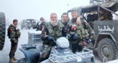 Matteo Vanzan insieme ad alcuni compagni d'arme in Iraq