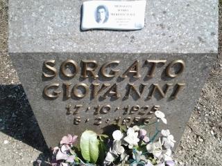 Cippo in memoria di Sorgato Giovanni